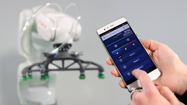 RoboMotion and SoTec demonstrate cloud robotics solution using Kuka Agilus
