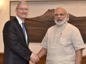 tim-cook and narenda-modi