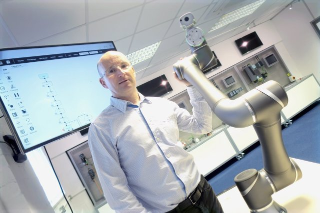 HMK claims new collaborative robot is world's first to have integrated vision