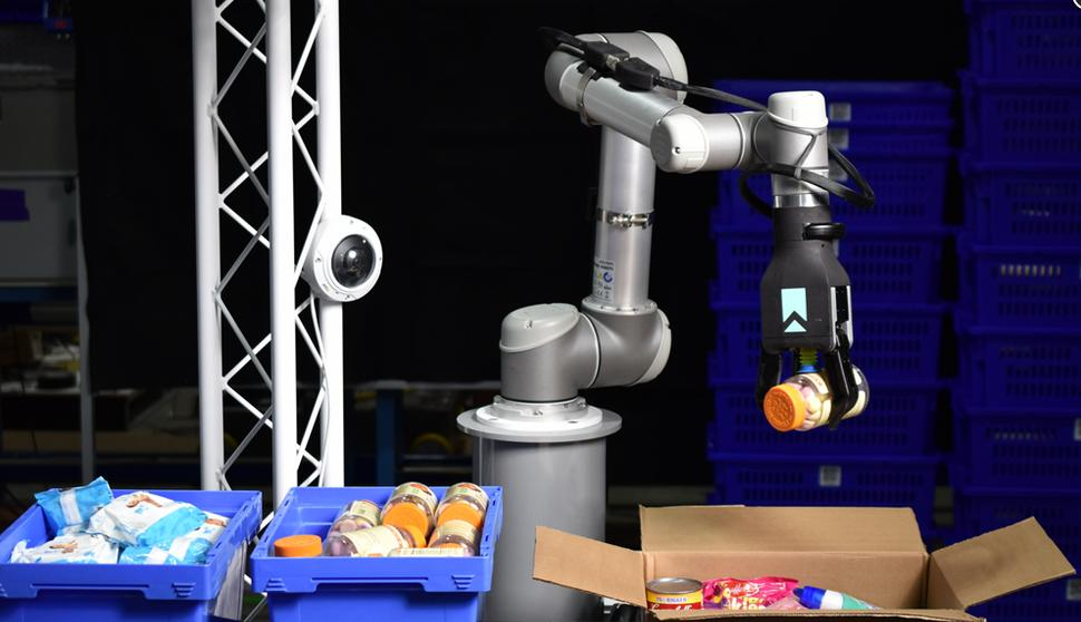 Universal Robots debuts at US supply chain expo MODEX