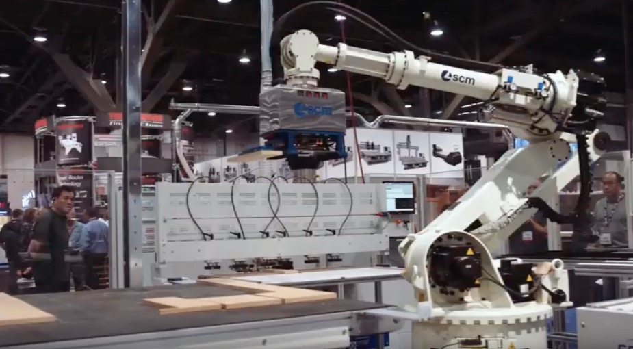 SCM to demonstrate robotic integration for woodworking