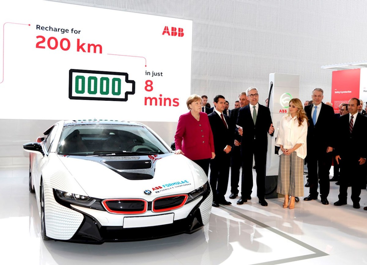 ABB showcases electric vehicle technology to German and Mexican leaders