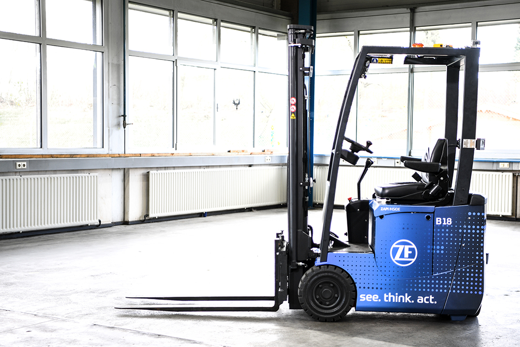 ZF launches essentially driverless forklift truck