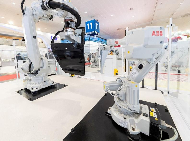 ABB showcases vision of digital factory of the future at automatica
