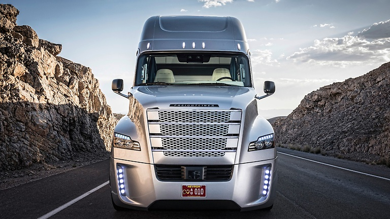 Daimler Trucks to open automated truck R&D center in Portland, Oregon