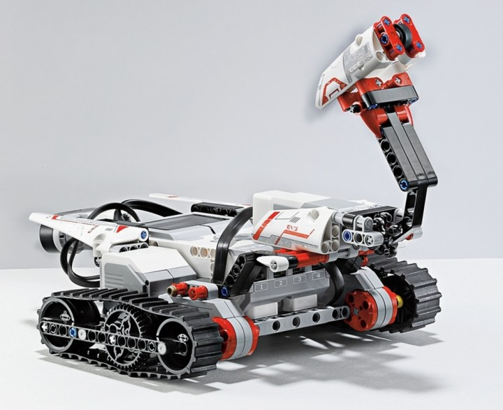 LEGO_MINDSTORMS_EV3_TRACK3R_verge_super_wide