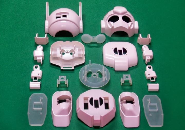 RAPIRO_Raspberry_Pi_humanoid_robot_parts