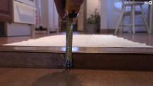 VIDEO: Så får du robotdammsugaren att klara höga trösklar