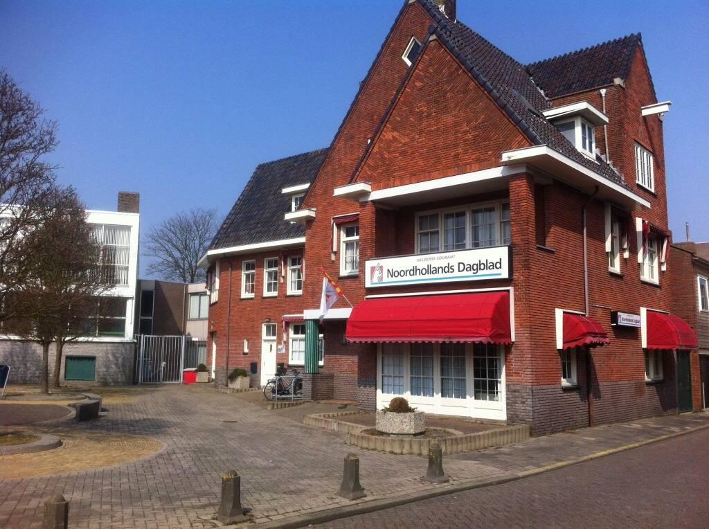 Het redactiekantoor van de Helderse Courant aan de Prins Hendriklaan in het centrum van Den Helder (foto Hedzer Faber)