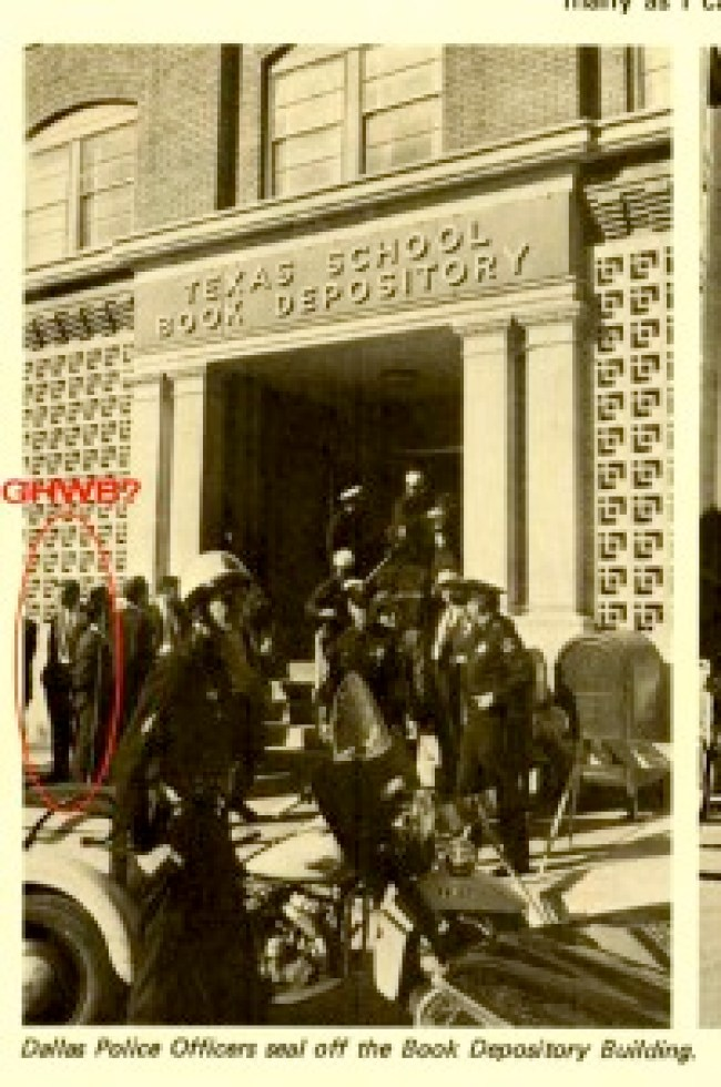 Dallas Police Officers seal off the Book Depository Building