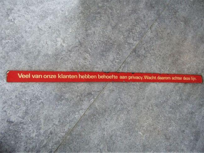 De rode lijn van privacy (foto Fred van der Wal)