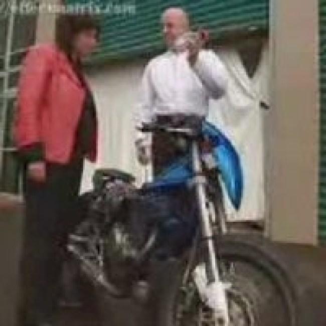 Steven Ryan with motorbike (foto Before It's News)