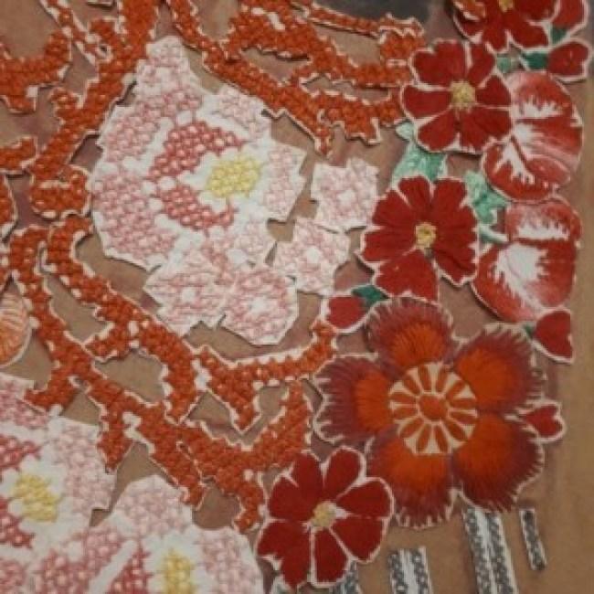 Barbara Broekman – Interessant hergebruik van bestaand borduurwerk (detail)