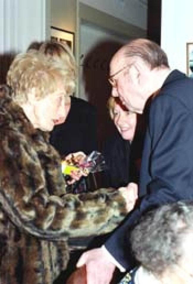 Louise Sopers-Marggraff, de zus van Ewald bij de negentigste erjaardag van mr. Hein Bergé in 2006. De in Berlicum woonachtige mevrouw Sopers overleed op 18 juni 2010 (foto Paul Kriele(