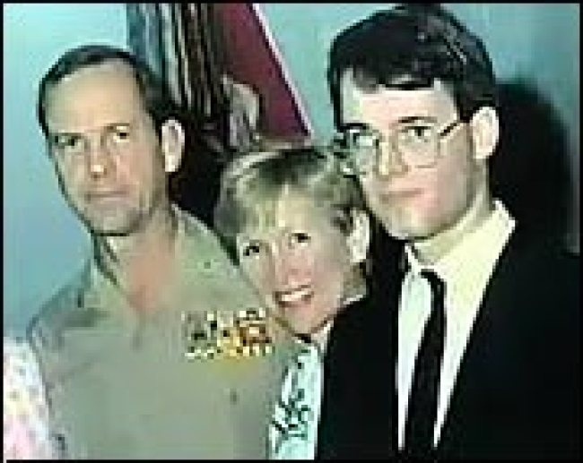 Kay with husband George and son Garland (foto The Tap)