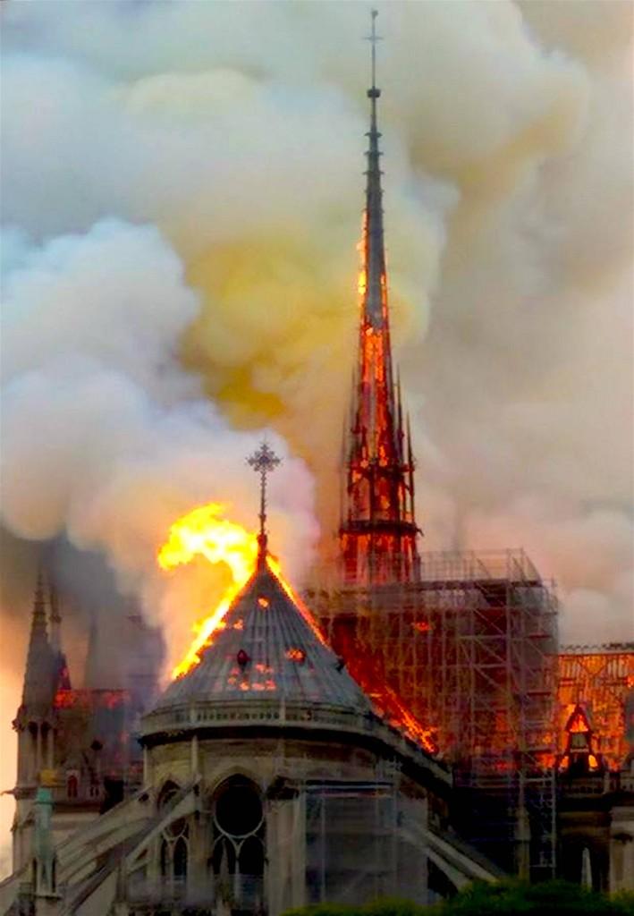 Notre Dame (foto Henry Makow)