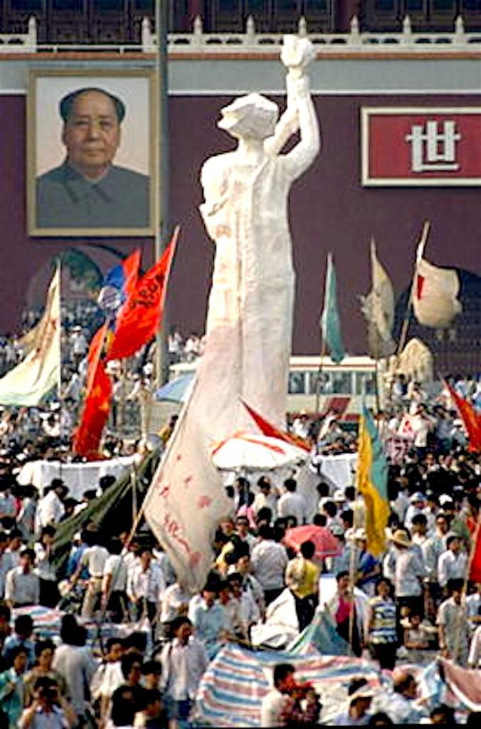 """""""The Goddess of Democracy"""" (foto Flickr)"""