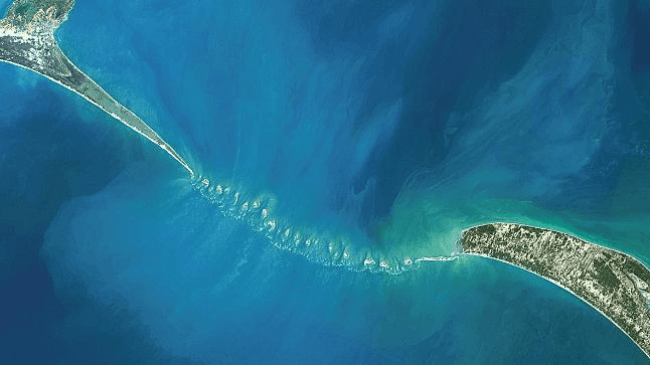 The Ram Setu bridge has been embroiled in controversy since 2005 after then Congress-led government proposed the Sethusamudram Shipping Canal Project (foto indiatoday)
