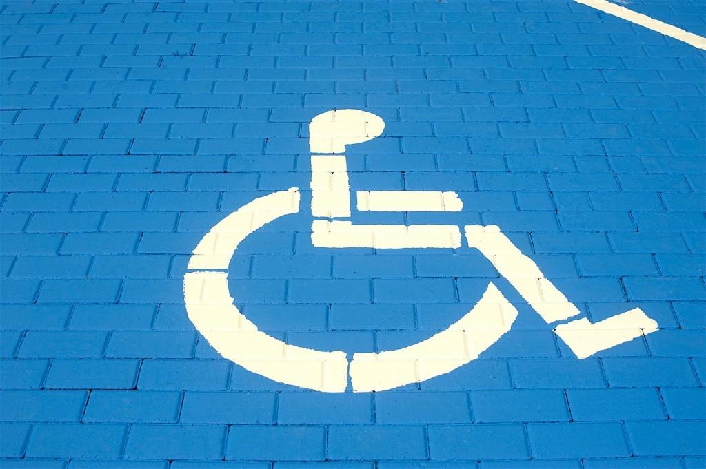 Vragen over hoog tarief parkeerplaats voor gehandicapten (foto DHA)