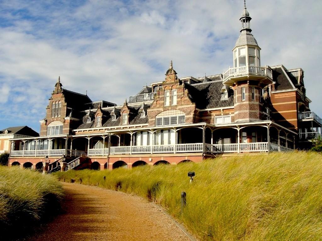Badhotel Domburg (foto stormvogel22.abbring.nl)