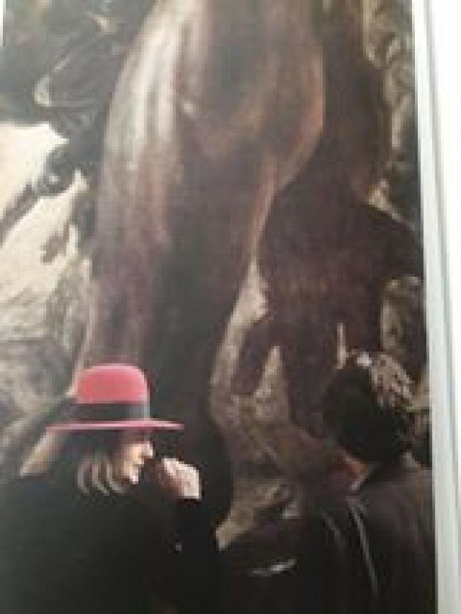 James Lee Byars en Marcel Broodthaers in het Antoine Wiertz museum (foto Facebook)
