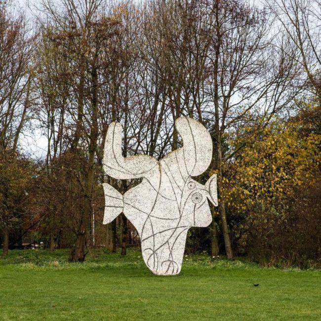 Gravure van Picasso, in het Vondelpark (foto Carly Wollaert)