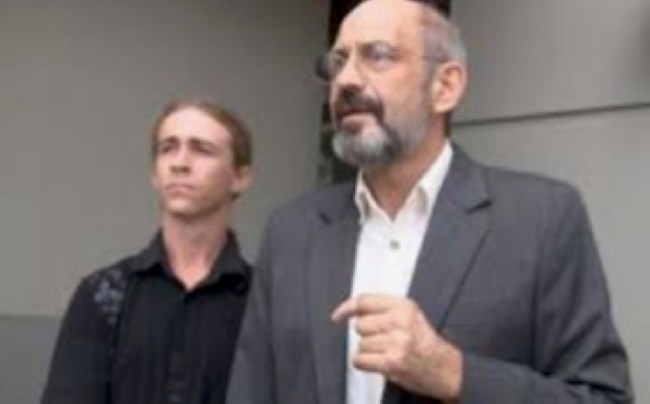 Attorney Paul J. Sulla, Jr. and Jason Hester (foto Before It's News