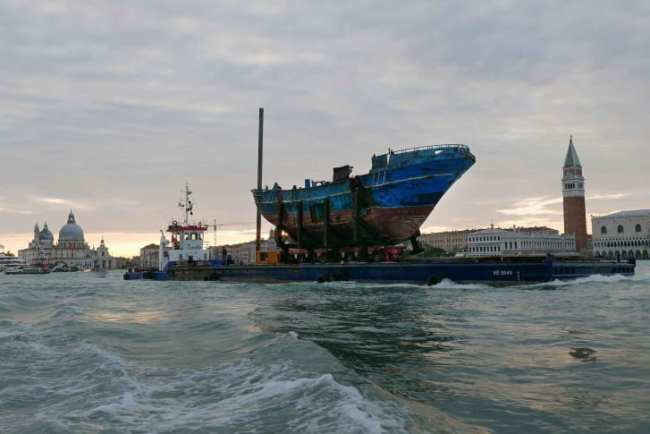 """""""Barca Nostra"""" being transported from Pontile Marina Militare di Melilla to the Arsenale in Venice, Italy (foto Barca Nostra)"""