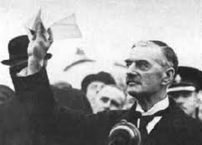 Prime Minister Chamberlain news conference (foto Henry Makov)