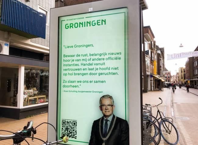 Burgemeester Koen Schuiling van Groningen roept op de rust te bewaren en je hoofd niet op hol te laten brengen door geruchten (foto DvhN)