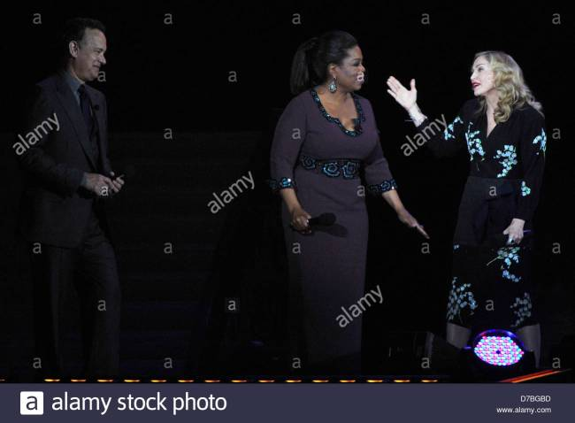 Tom Hanks, Oprah Winfrey and Madonna during surprise Oprah! farewell (foto Alarmy)