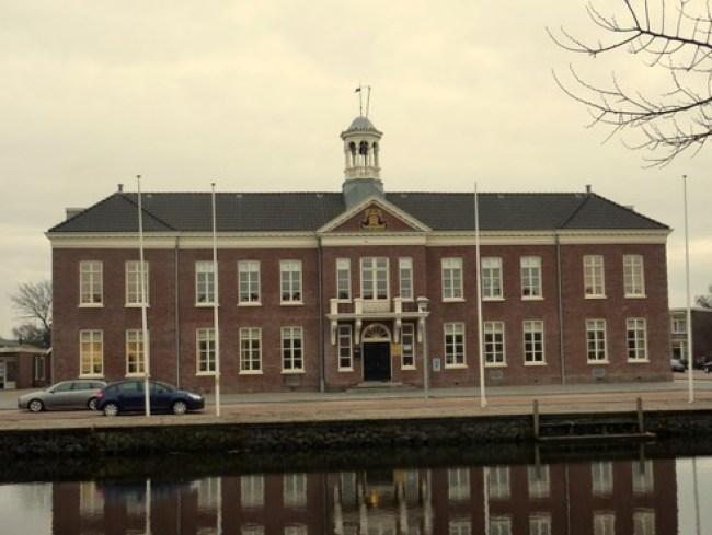 Het stadhuis aan de Kerkgracht (foto NHD)