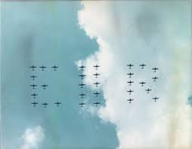 Royal Airforce forming A salute 2 EIIR (foto Google)