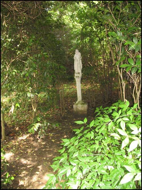 2009-0608-satw-maggar-statu