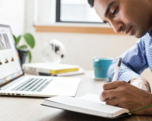 Como se qualificar de graça para melhorar o currículo