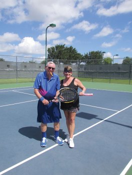 Champions Jim Gregg and Lynne Hyatt