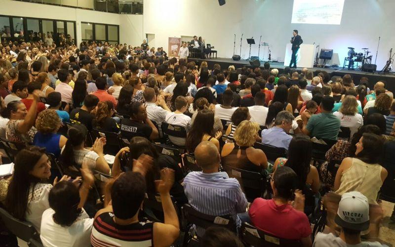 Bispo Rodovalho fala sobre plenitude e batalhas da vida em Conferências por Ribeirão Preto/SP