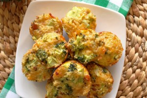 Broccoli and Cheddar-Bacon-Quinoa Bites