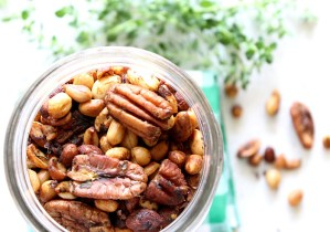 Mixed Nuts with Thyme and Rosemary