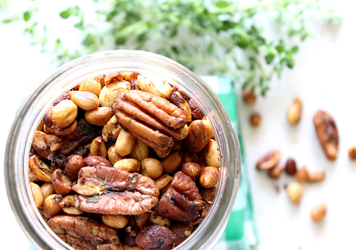 mixed-nuts-with-rosemary-and-thyme1