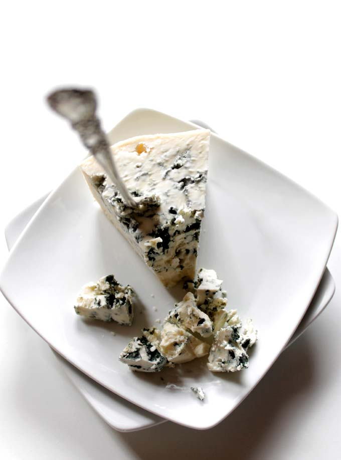 Homemade Blue Cheese Sacue. Quick. Easy. Flavorful. #Glutenfree