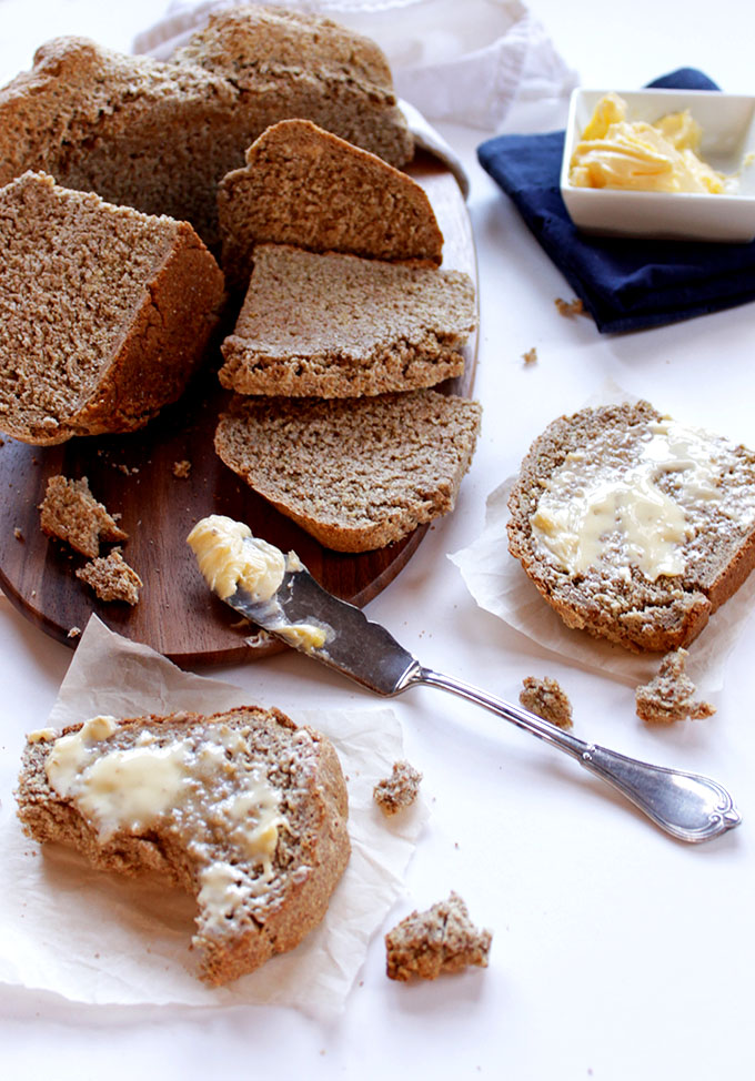 Irish Brown Soda Bread. Hearty. Easy to make. Delicious with butter. Perfect for dunking in soup. #HomemadeBread