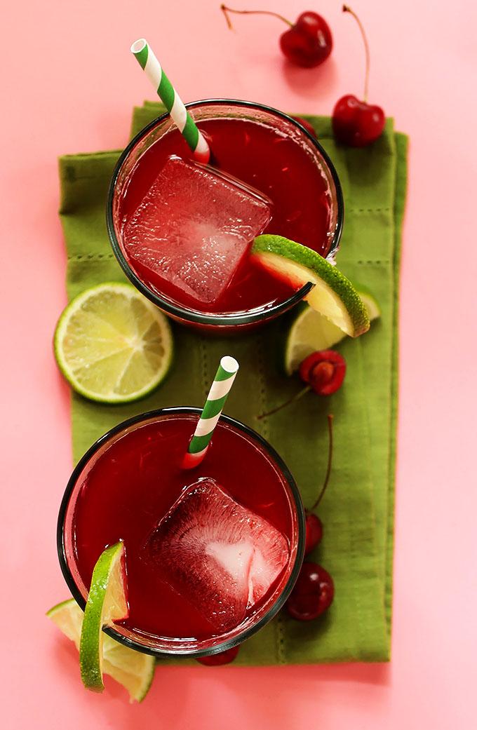 Cherry Limeade. Fresh squeezed lime juice. purreed frozen cherries. Super easy to make. Refreshing. #vegan #refinedsugarfree #glutenfree