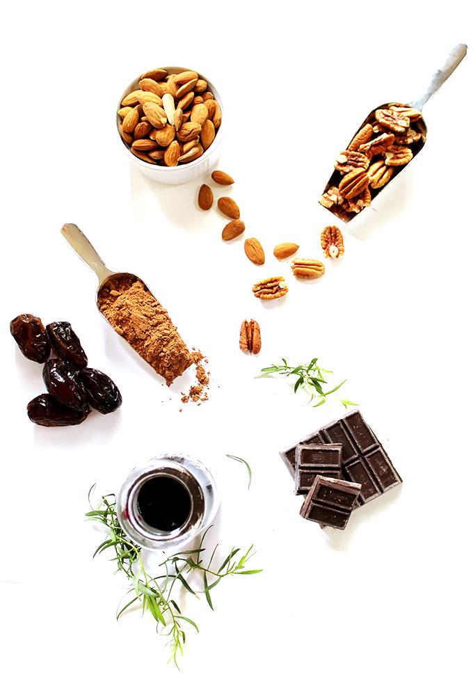 Vegan Tarragon Merlot Truffles. Simple to make. Indulgent. Healthy. Naturally sweetned. #vegan #glutenfree #refinedsugarfree #chocolate