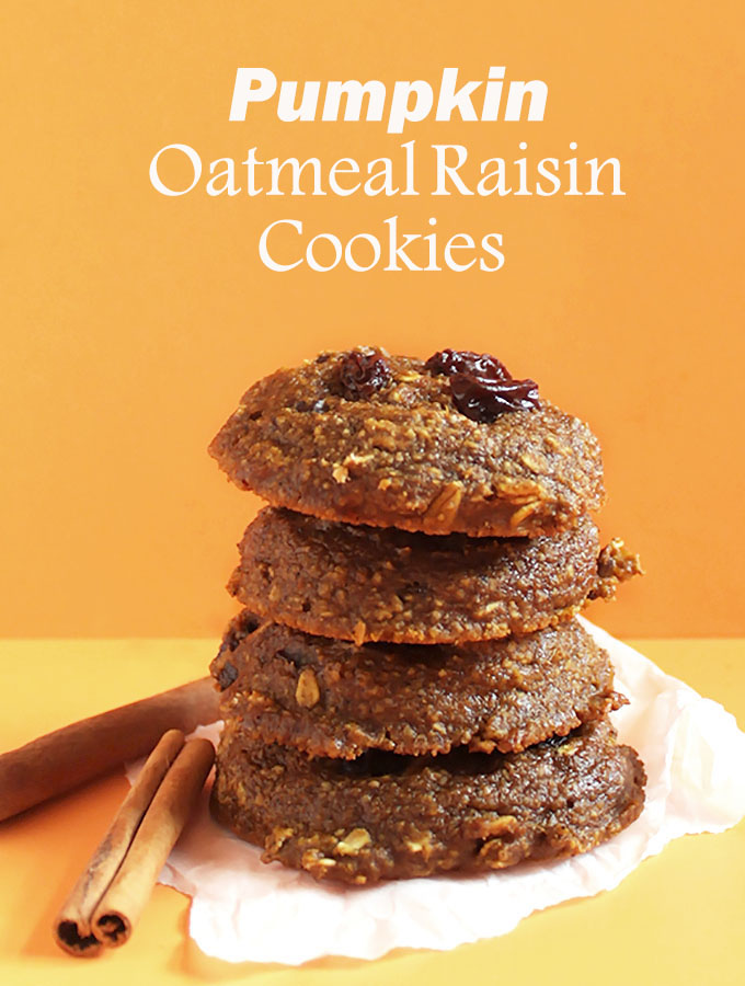 Pumpkin Oatmeal Raisin Cookies! Perfect for fall. So soft and chewy! #glutenfree #pumpkin | robustrecipes.com