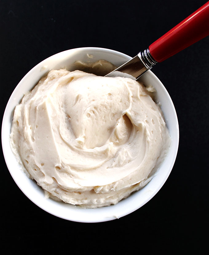 Buttercream Frosting. Refined Sugar Free. Sweetnened with honey!