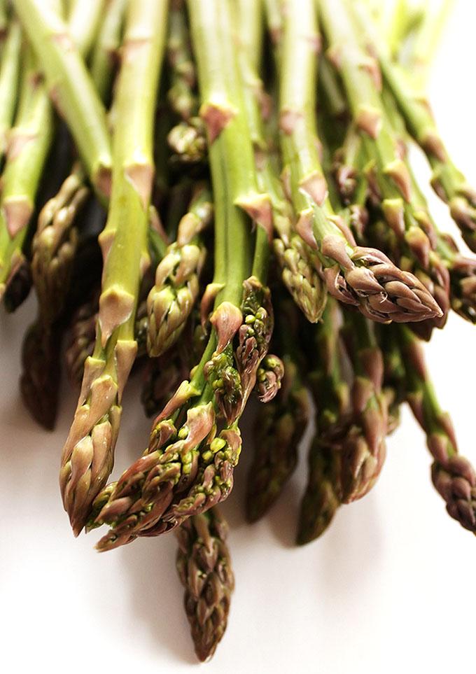 Asparagus Frittata - Beautiful spring time asparagus! | robustrecipes.com