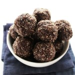 Blueberry Almond Energy Balls - Packed with healthy fats, protein, and carbs. Perfect workout snack. So EASY to make! Vegan/Gluten Free | Robustrecipes.com