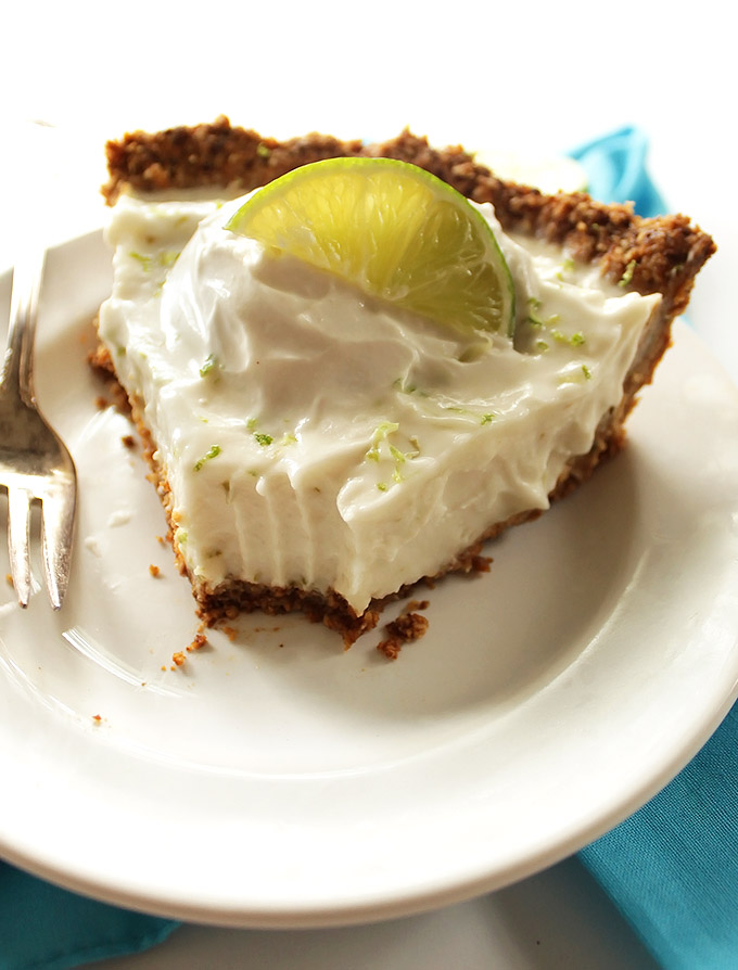Gluten Free Key Lime Pie - Simple key lime pie recipe made with a gluten free crust and an easy no bake, vegan filling. Rich and creamy, sweet and tart! Perfect summertime dessert! vegan/gluten free/ refined sugar free.