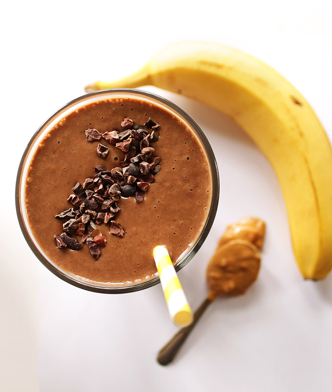 Chocolate Peanut Butter Banana Smoothie - Healthy smoothie that tastes like a shake. Creamy, sweet, and easy to make, only requires 6 ingredients! We love this recipe right after a workout! Vegan/gluten free